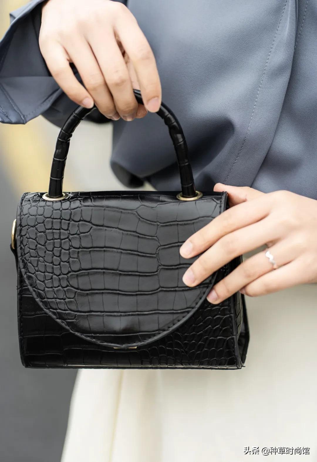 这2款包包,2021正流行,百搭时尚