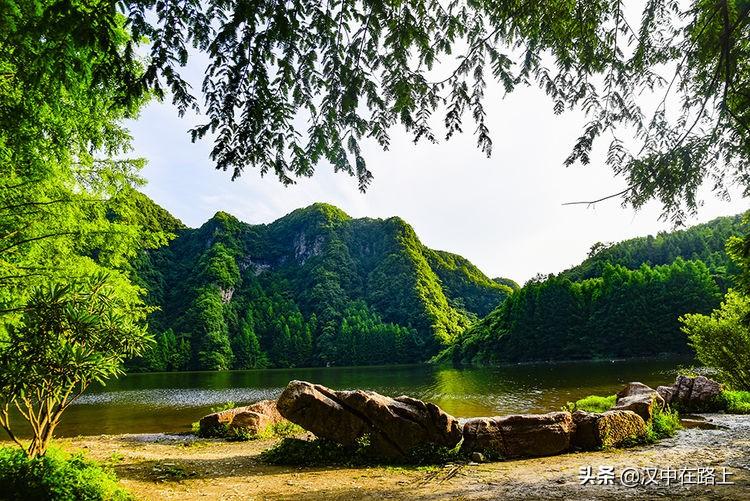 这个藏在汉中山里的小众避暑圣地,真的太美了