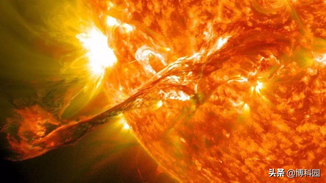 只存在几纳秒,水中的等离子体,甚至比太阳还热
