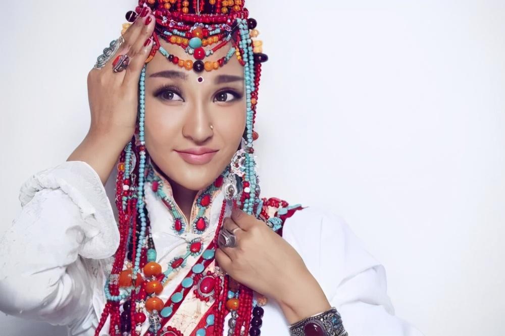 藏族十大美女明星!各个人美歌甜异域性感风情迷人