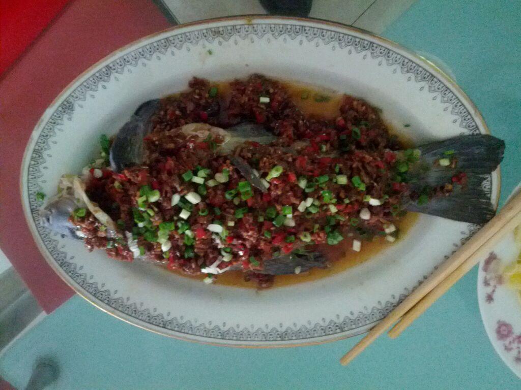 魅力鄱阳湖,美味新湖鲜,藜蒿炒腊肉和清蒸鳜鱼让人爱不释口