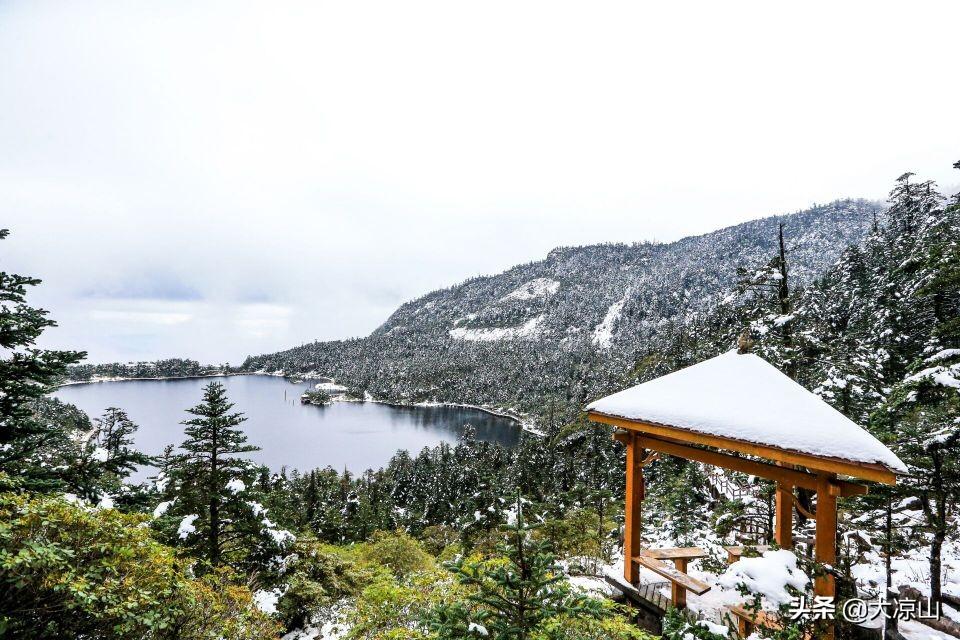 美图|凉山螺髻山的雪,就像冰雪世界