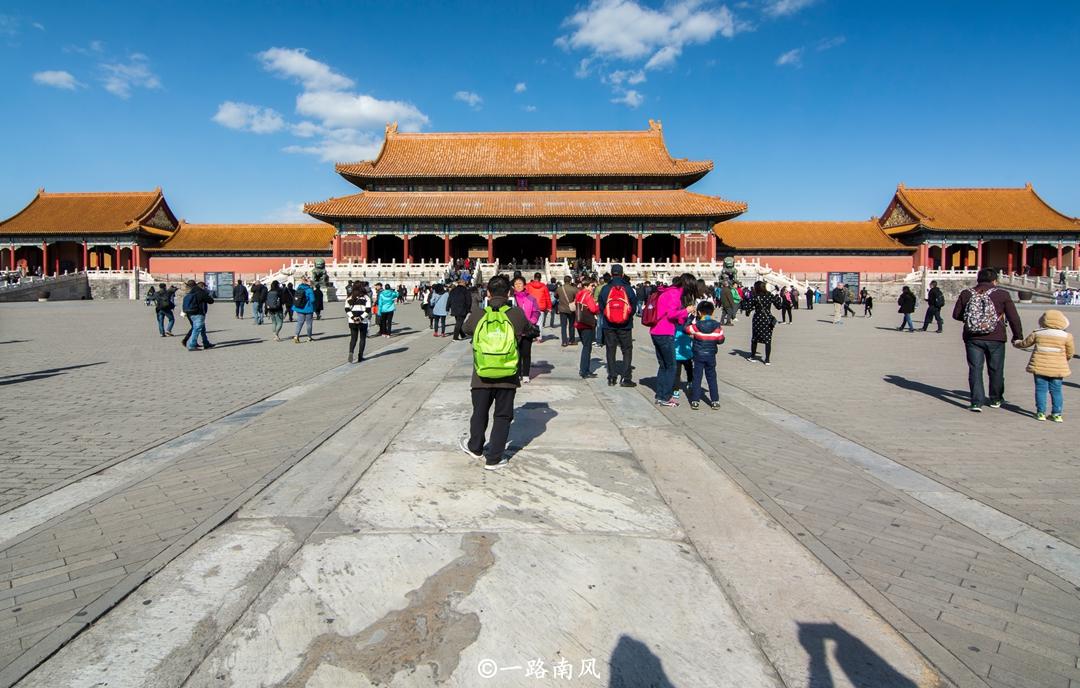 北京故宫占地72万平方米,大部分地方寸草不生,为什么?