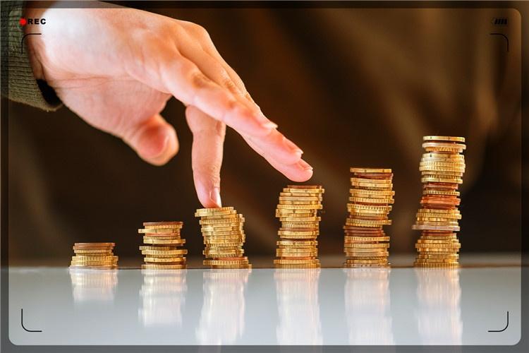 生活压力大,上班收入低,38岁的人如何能做到月收入2万以上?