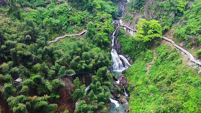 山林、湖景、竹海、温泉,这些绝美的民宿都藏在自然里