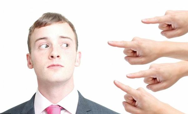 """在职场,你的""""偏见""""也许只是一场误会,如何才能消除""""偏见""""呢"""