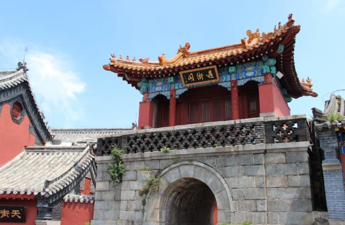 泰山何以为五岳之尊?除了帝王封禅,还有道家与儒家两派加持
