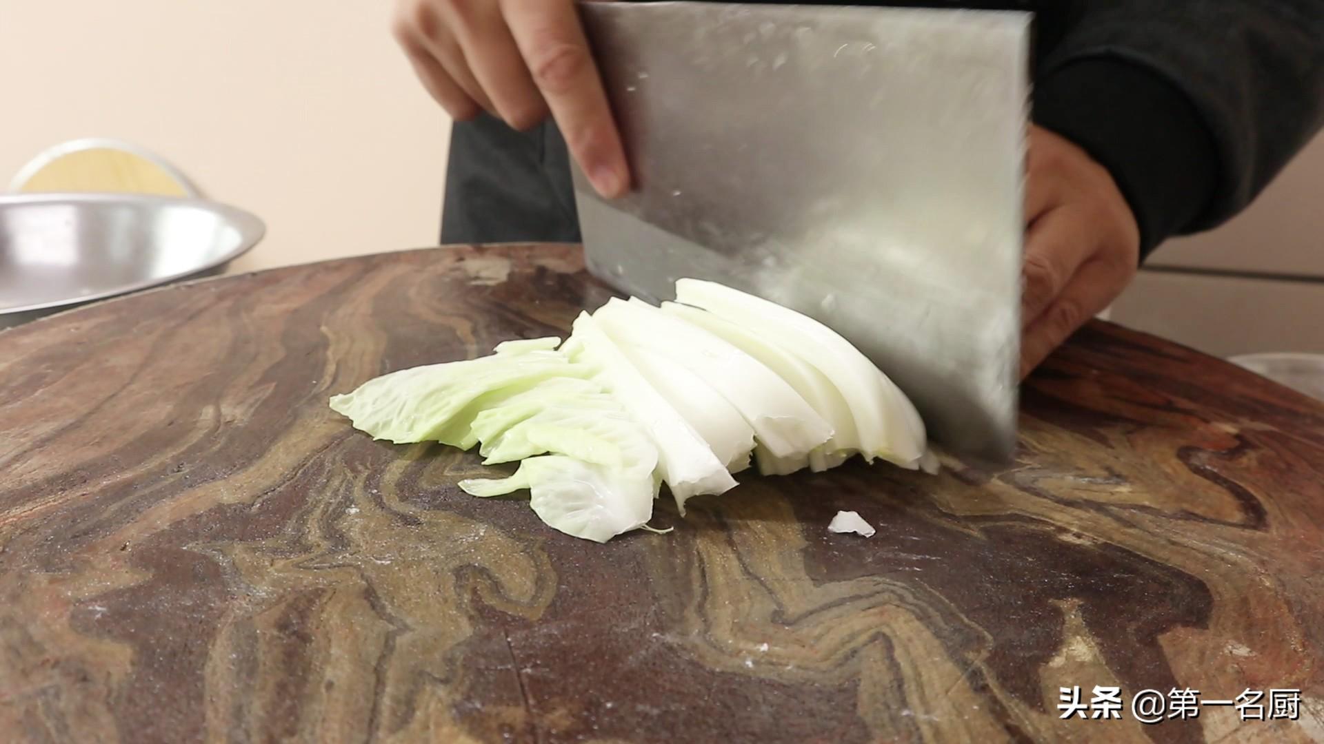"""""""白菜炖粉条""""超好吃的做法,技巧全在这,出锅喷香,全家都爱吃"""