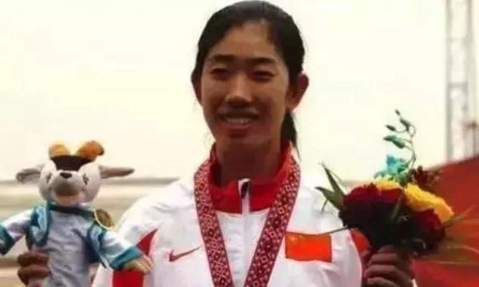 """""""儿子""""是当红明星,女儿是奥运冠军,51岁她才是真正的人生赢家"""