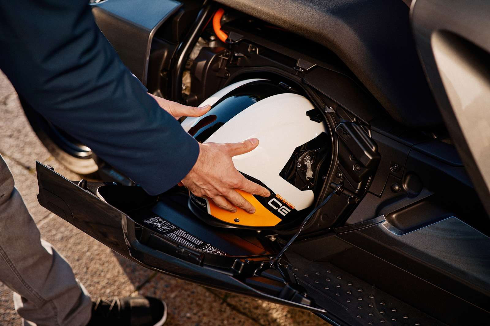 引领行业发展 以前瞻视角布局电动摩托车领域
