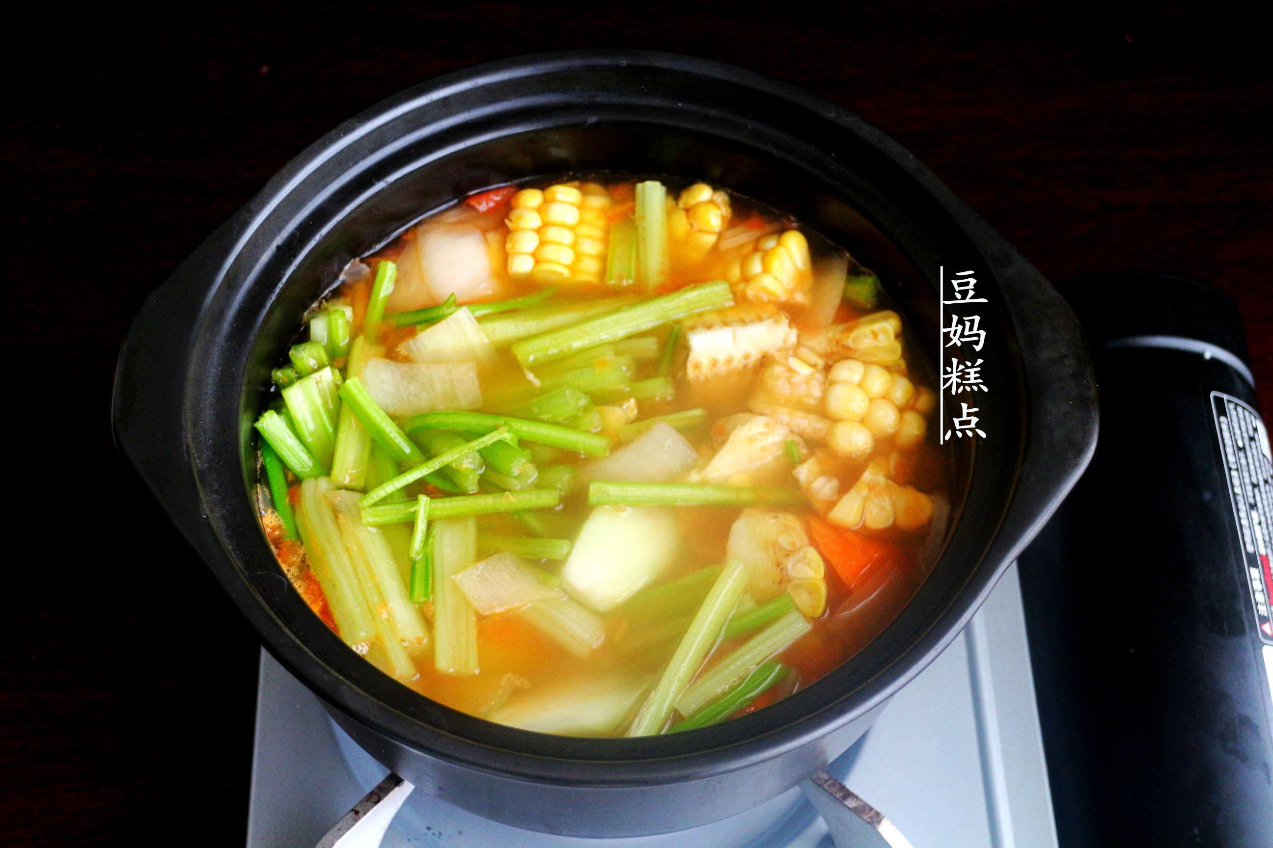 学做瘦身蔬菜汤,健康瘦身,营养不缺 减肥菜谱 第5张