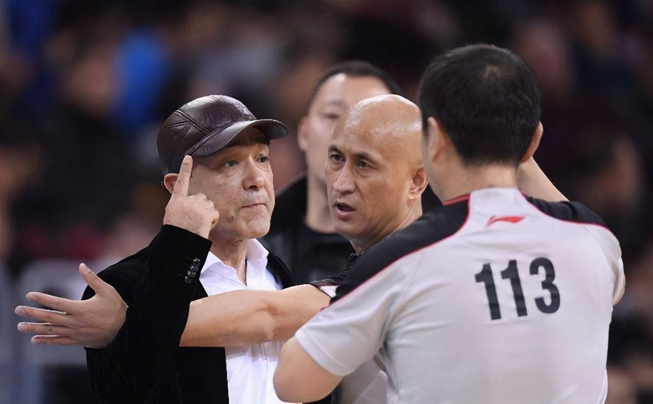 周琦空砍41+14 教练成短板新疆已非豪强 胜负要靠裁判尺度