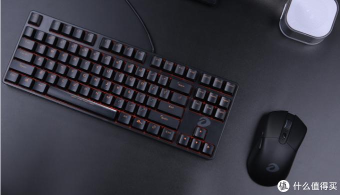 机械键盘pom和pbt哪个好(pom键帽在哪里买)
