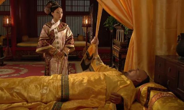 甄嬛传:为何皇上临死前没有扯断黄带子?因为他在用性命保护甄嬛