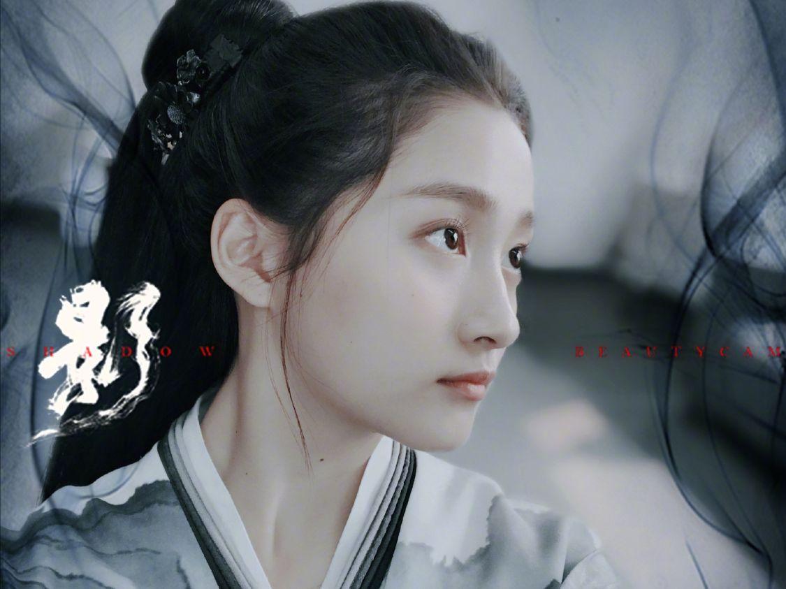 为了宣传新电影,张艺谋也是拼了,坦言刘浩存是下一个周冬雨