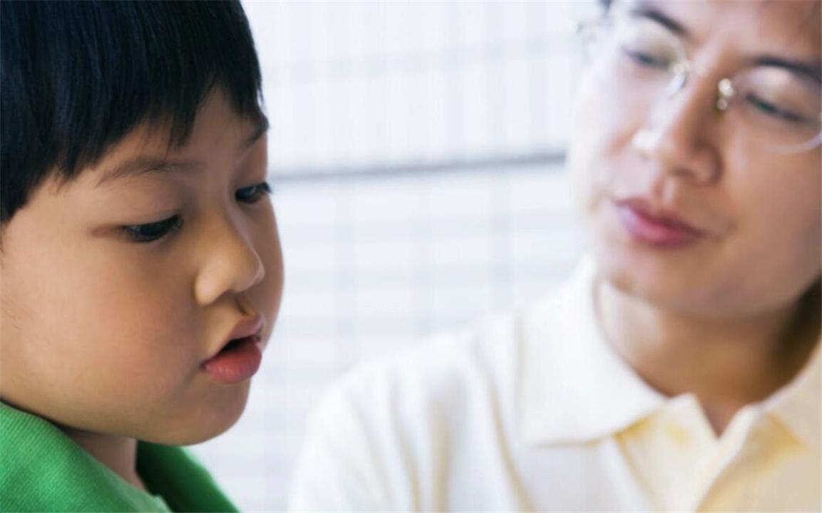 孩子左耳进右耳出,讲了800遍照样犯错?离不开这2个原因