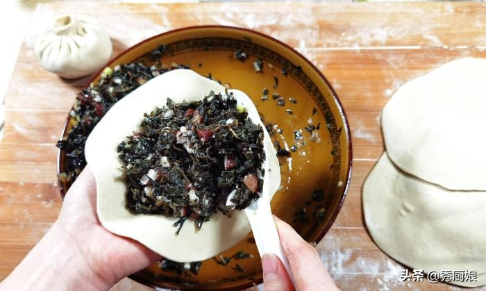 农村常见的一种野菜,晒干后太美味,冬天蒸包子,营养好吃有嚼劲