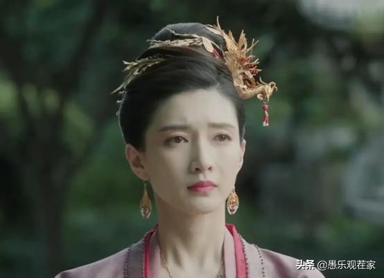 江疏影无缘白玉兰奖,赵薇说她是木头,王传君当面说她美丽但平庸