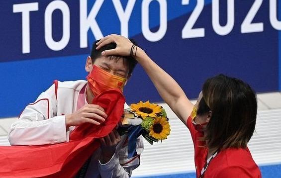 恭喜!全红婵登福布斯榜单,年度中国U30名人,年龄最小获奖者
