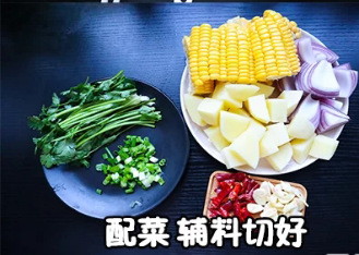 美食撞不停:软糯鸡爪煲,刚柔并济的美食