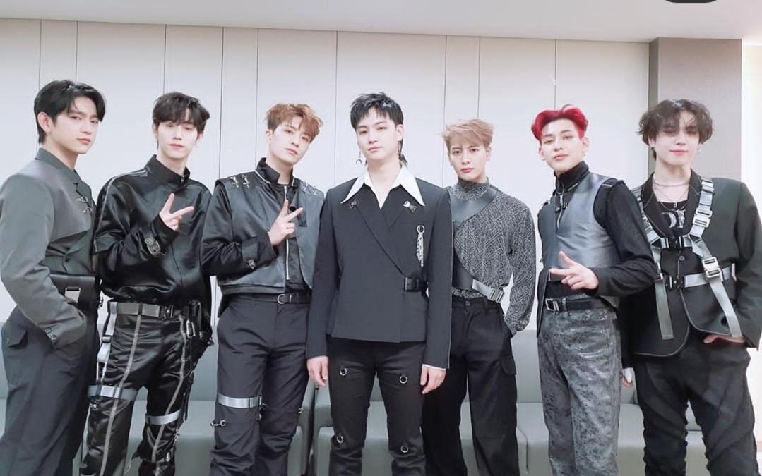 失去GOT7之后,JYP意识到了自己的失策,宣布加强男团的建设