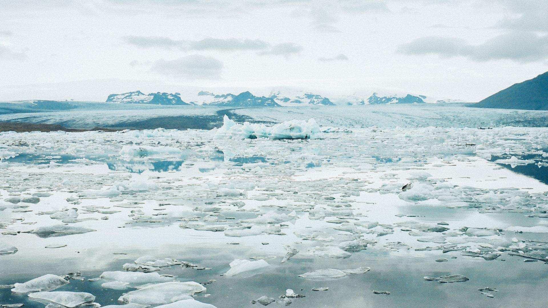 南极又出事了,1270平方公里的冰山崩裂,对人类有什么影响?