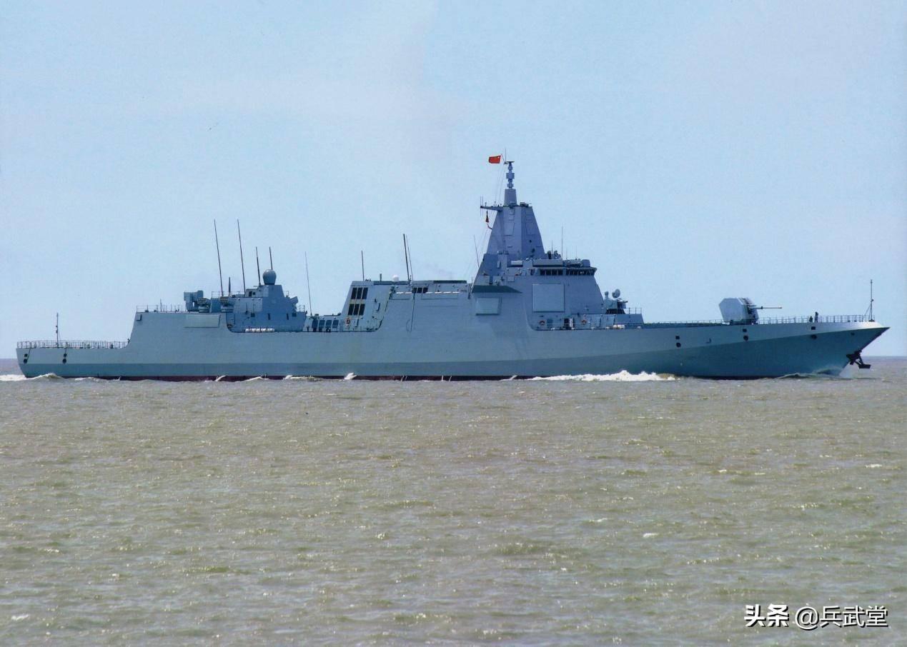 明年国产舰艇下什么饺子?两艘新舰抓住年尾巴,054B或要再等
