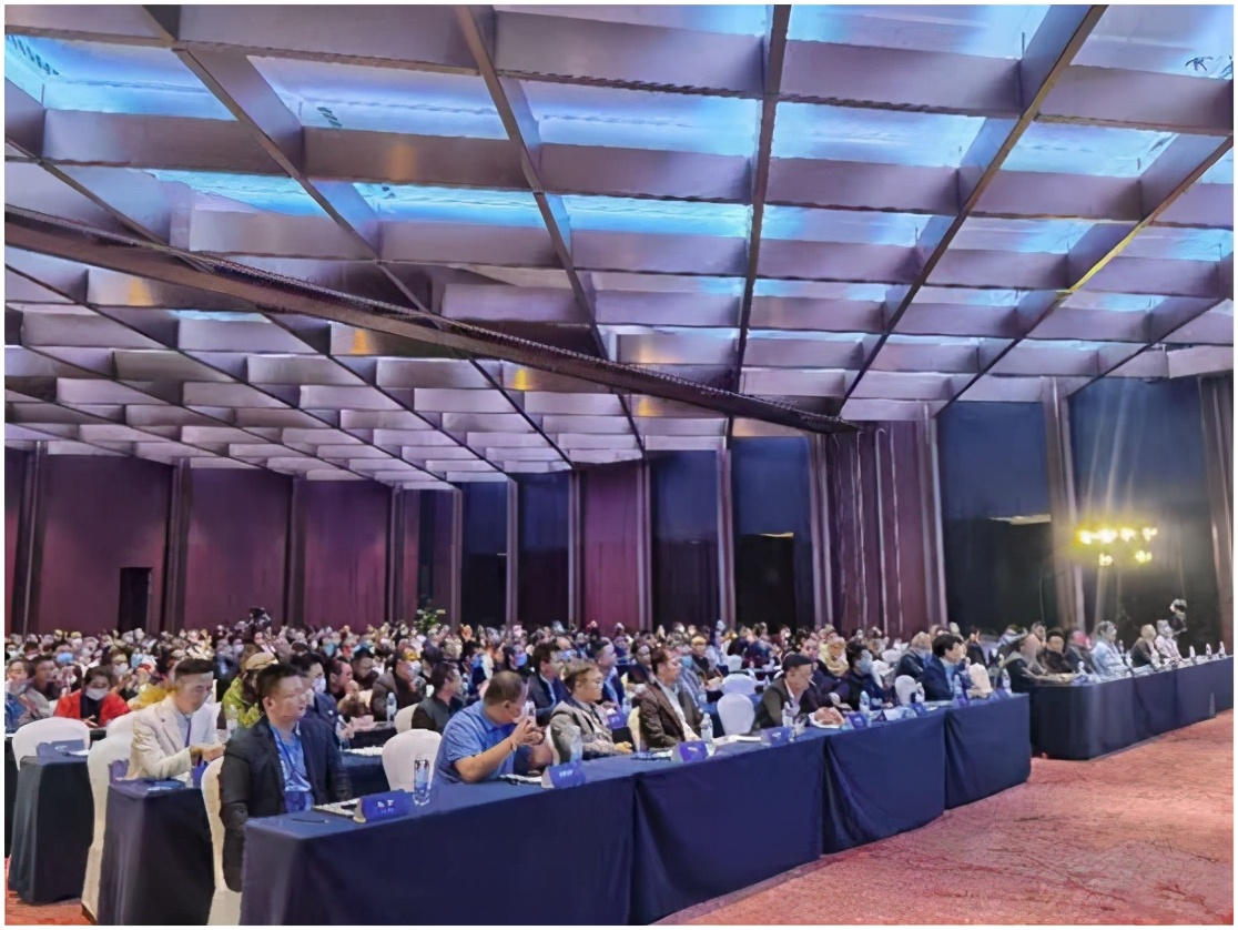 三只兔工长运动公装未来VIP营销峰会在蓉盛大举办