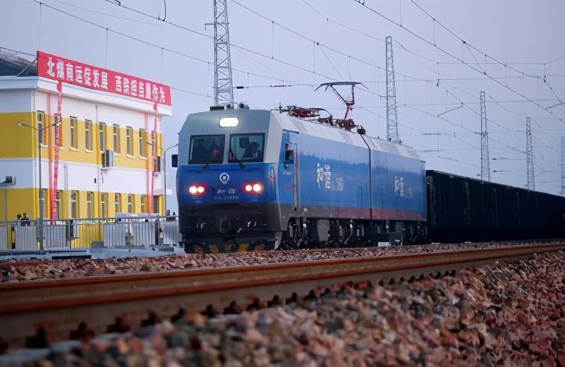 江陵铁水联运储配基地解开浩吉铁路制肘荆州未来将迎重大发展机遇