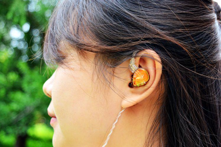 外形梦幻低频猛、这波操作有个性,锦瑟香也TFZ ESSENCE耳机体验