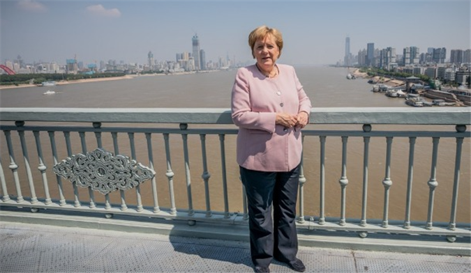美英后,默克尔选择了俄罗斯,向好友普京道别,中国或最后出场?