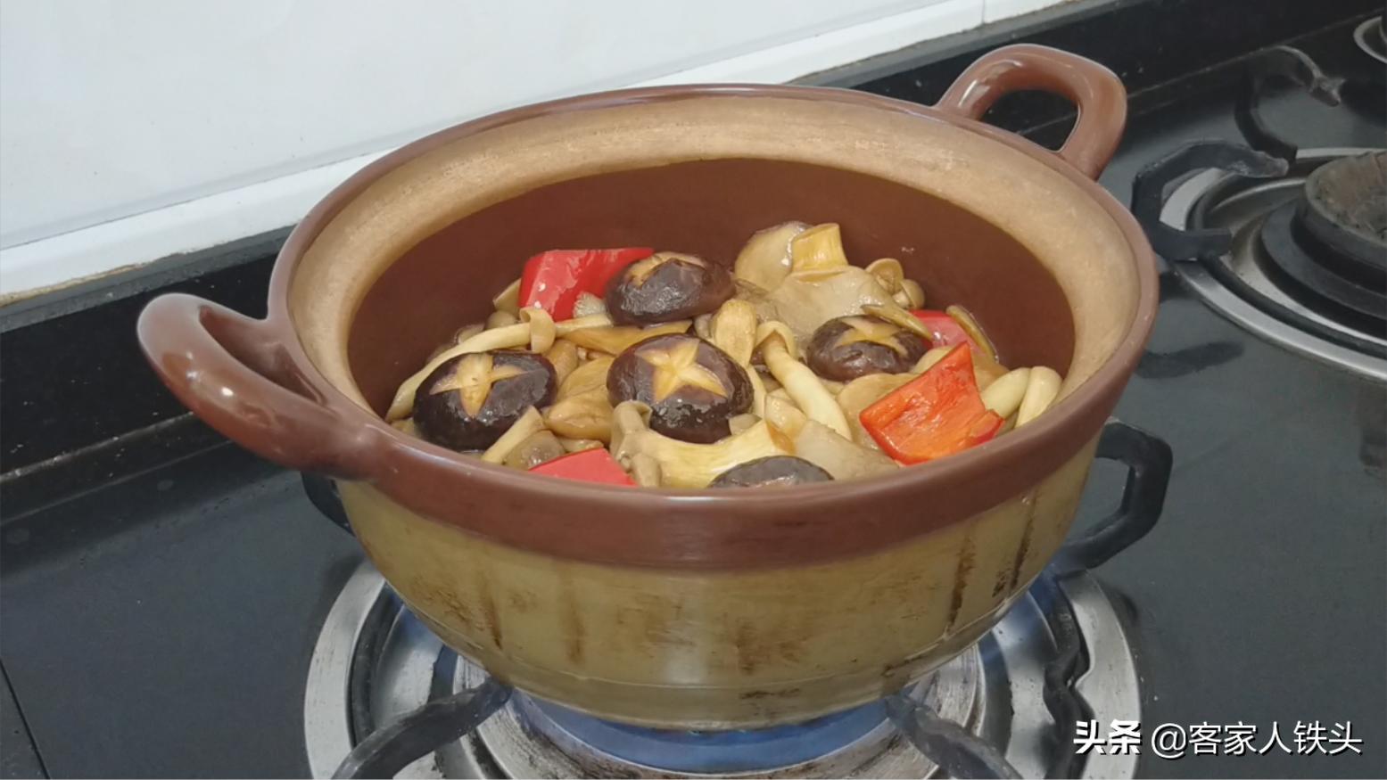 一鍋適合天冷吃的素菜煲,做法簡單,鮮滑爽口味道好跟吃肉一樣香
