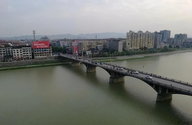 溆浦县,隶属于怀化市,怀化市东北面,沅水中游