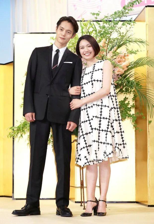 共演新晨间剧《应援》,洼田正孝与二阶堂富美展现夫妻相