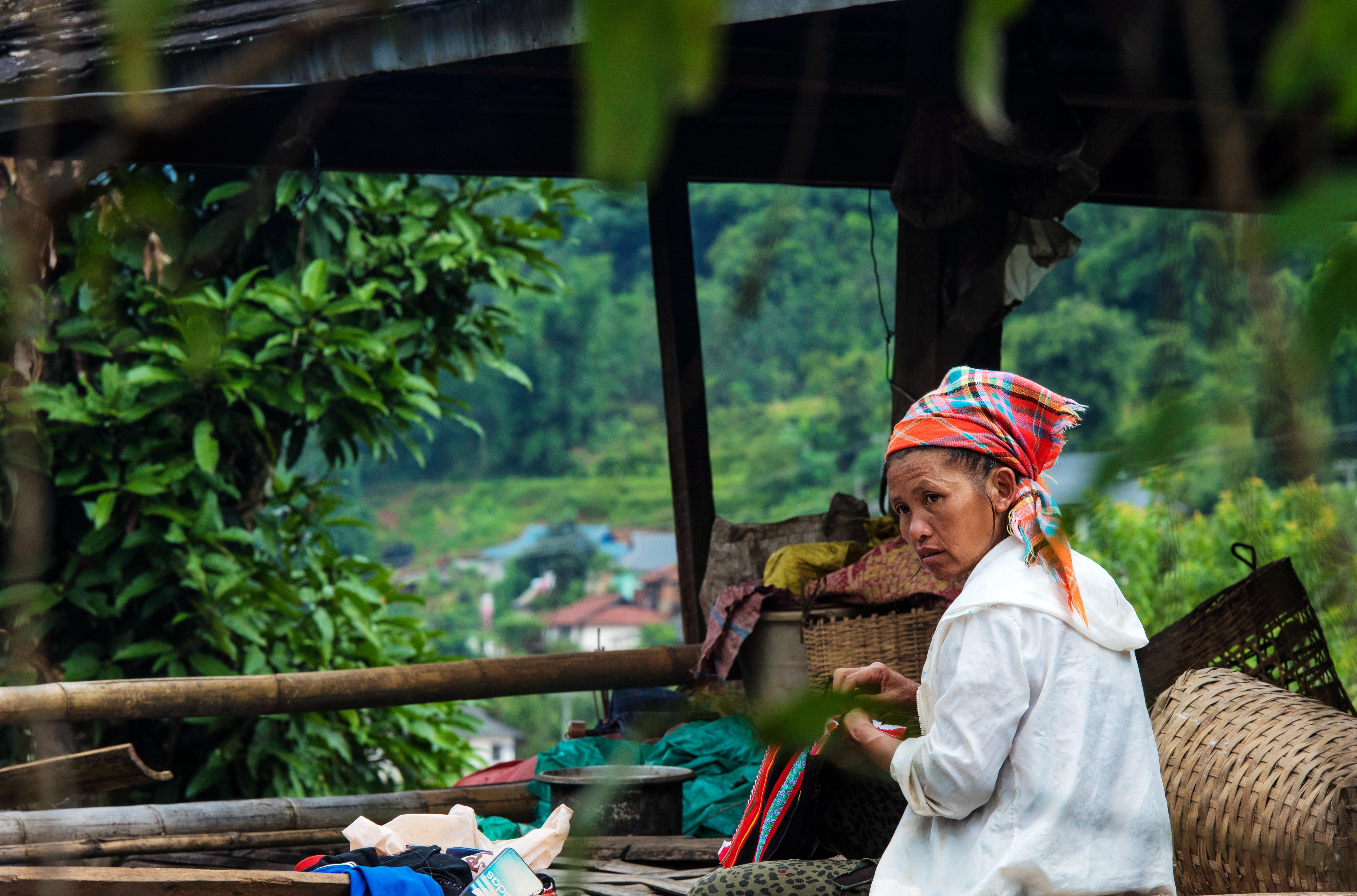 中国最后走出原始森林的少数民族,如今过得怎么样?