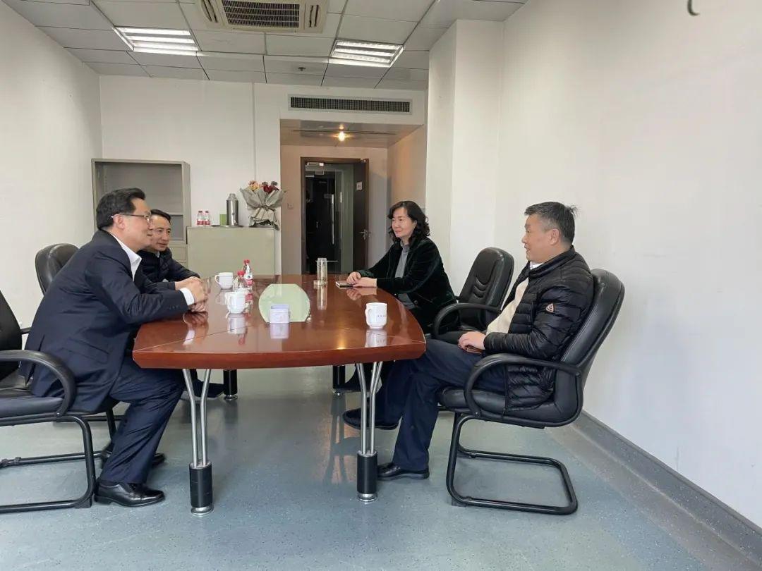 省委宣传部副部长、省委网信办主任朱重烈到我局调研