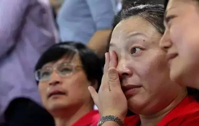 """""""孙杨案正式宣判,这个天才终究还是被毁"""":孙妈妈,该醒醒了"""