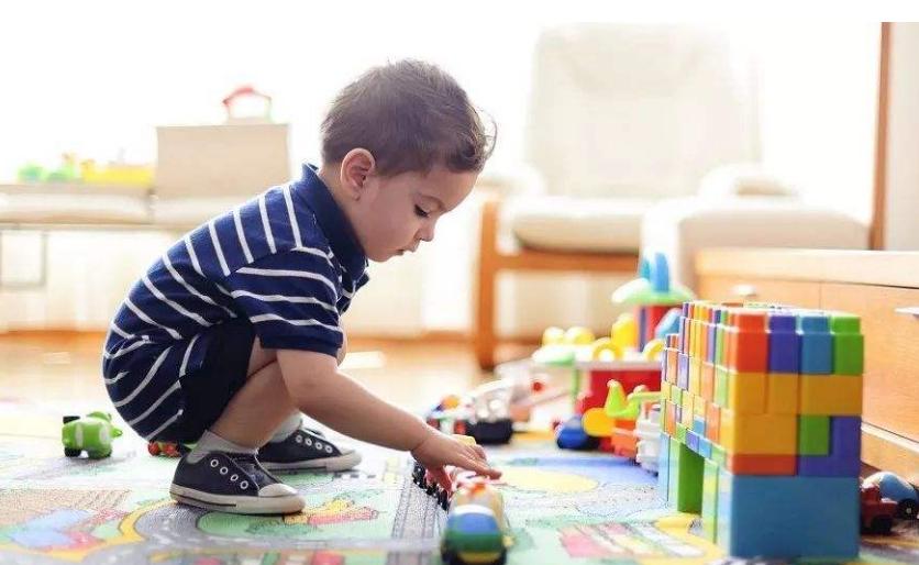 """宝宝大脑发育有两个""""黄金期"""",抓住其中一个,就能""""变聪明"""""""