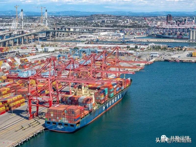 洛杉矶港口的航运拥堵显示出缓解的迹象