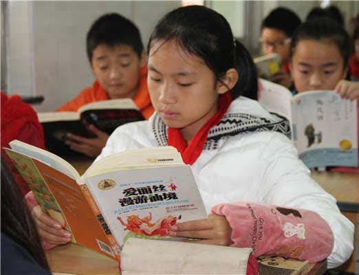 江苏响水县老舍中心小学指导学生课外阅读丰富多彩