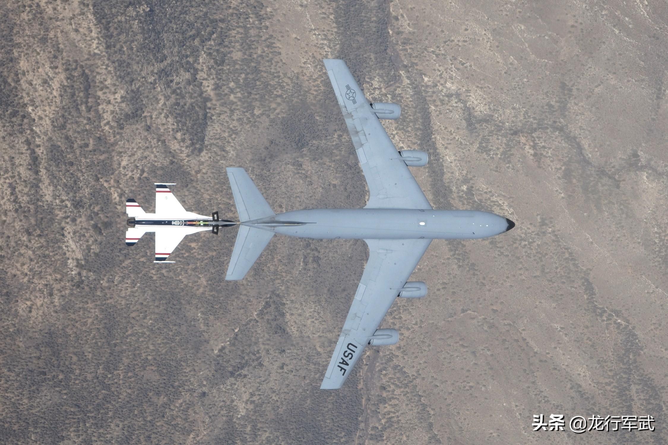 美军60多年前服役的飞机,中国至今没造出来:必须迎头赶上
