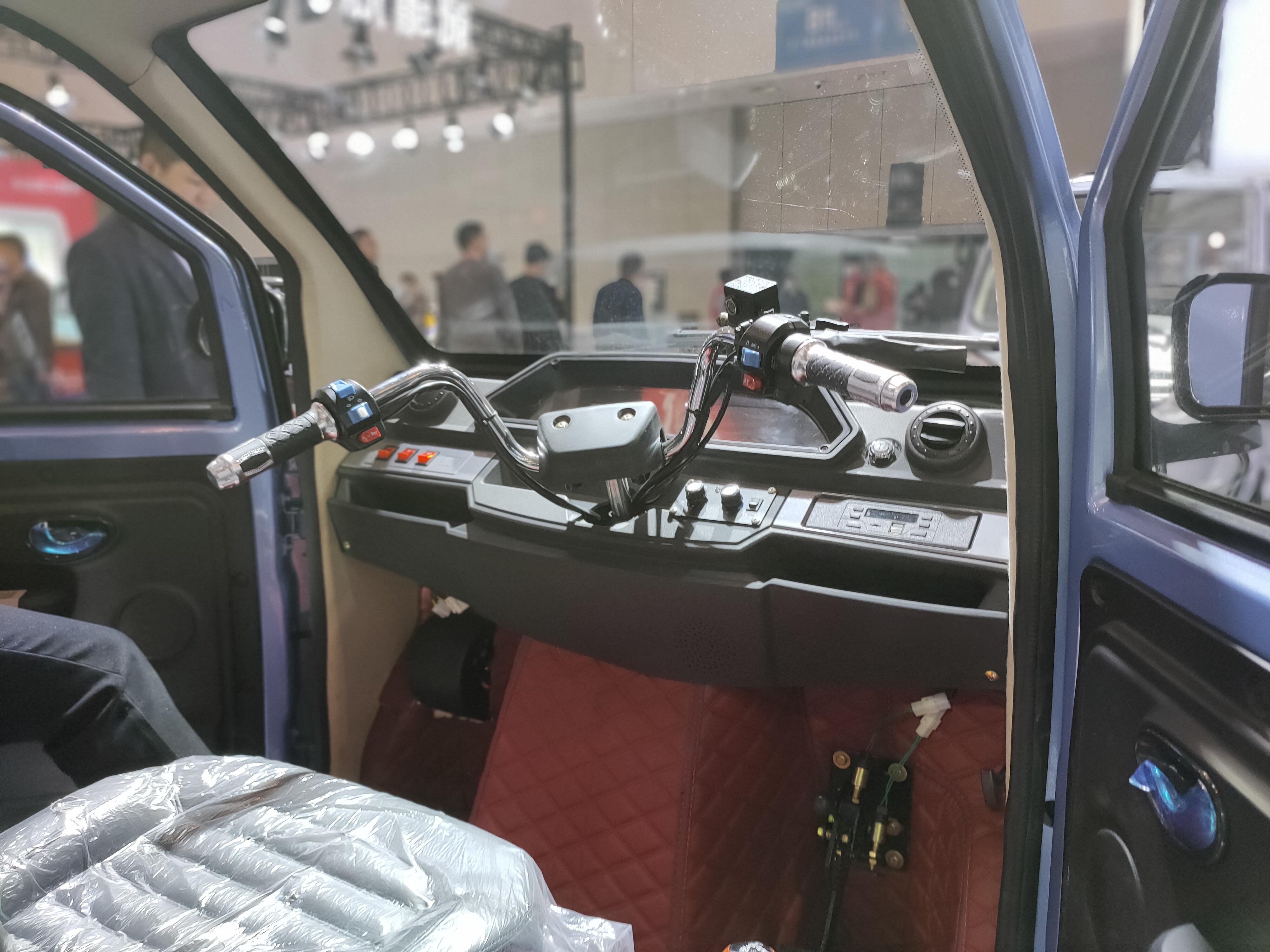 宗申发布电动三轮皮卡,72V锂电池,能跑120公里,还带空调
