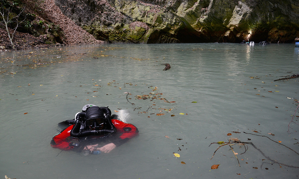 世界最深的深渊到底有多深,科学家潜入水下这个深度,有新发现