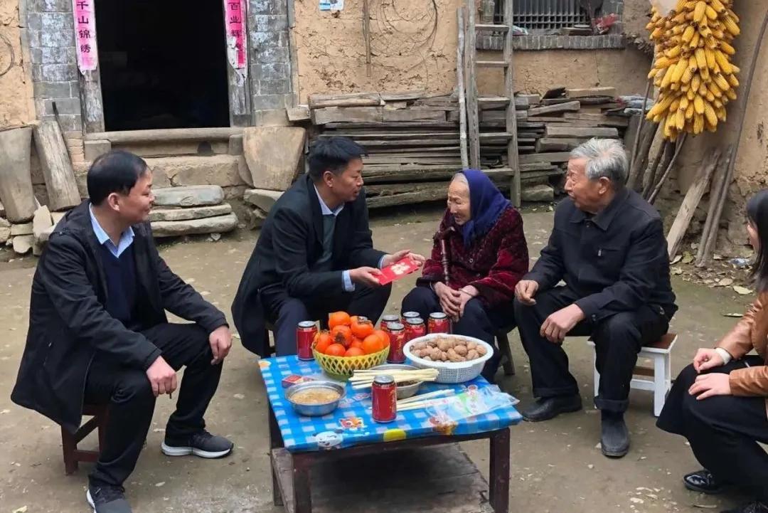 """""""关爱老人·情暖重阳""""——栾川县卫生健康委开展慰问老年人活动"""