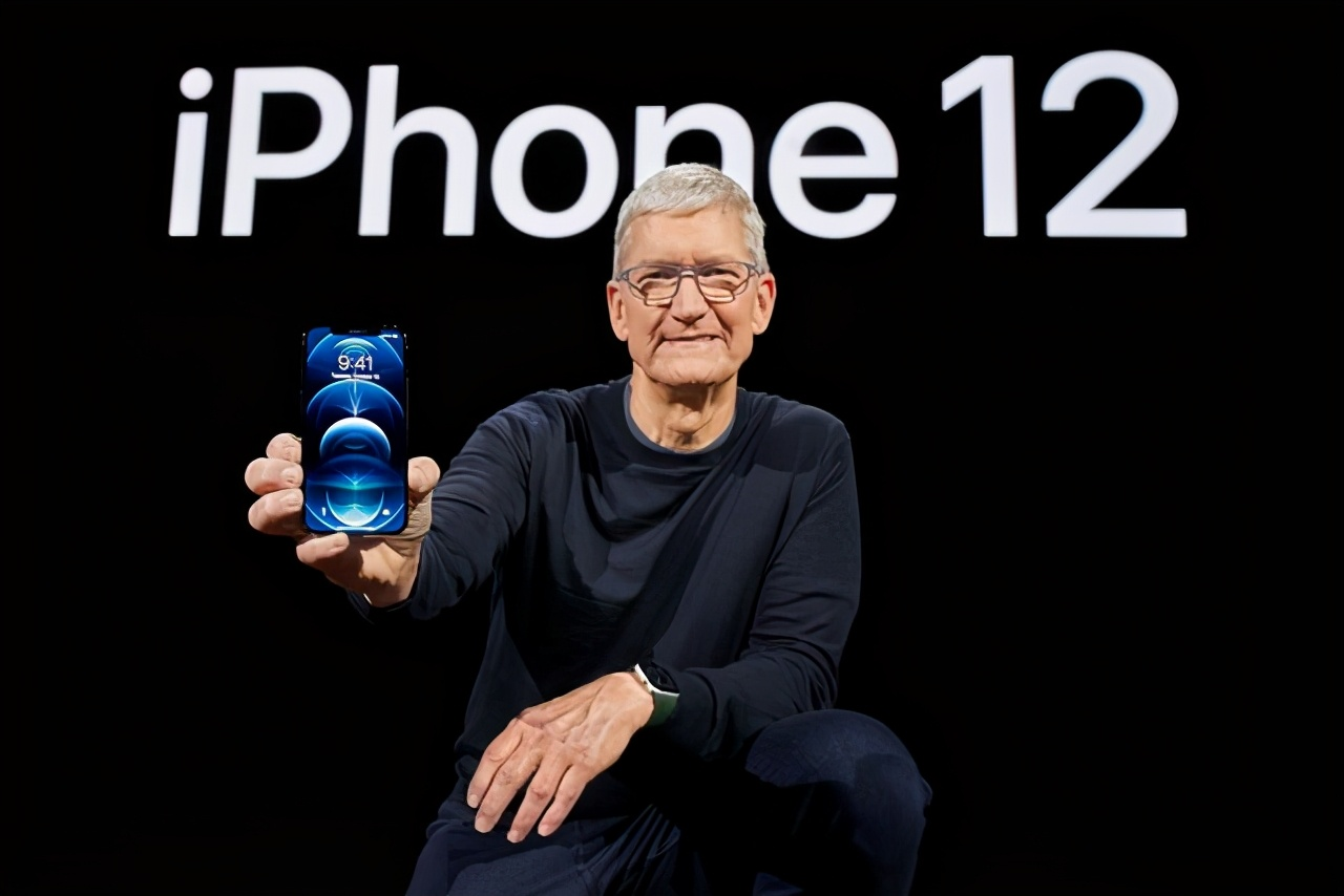 降维还是阉割?终于全系5G的苹果,附赠了4倍肉盾、双份迷你