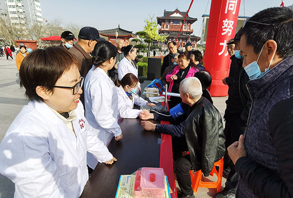 """安国医院等单位参与的""""结防知识进农村""""万人签名活动成功举办"""