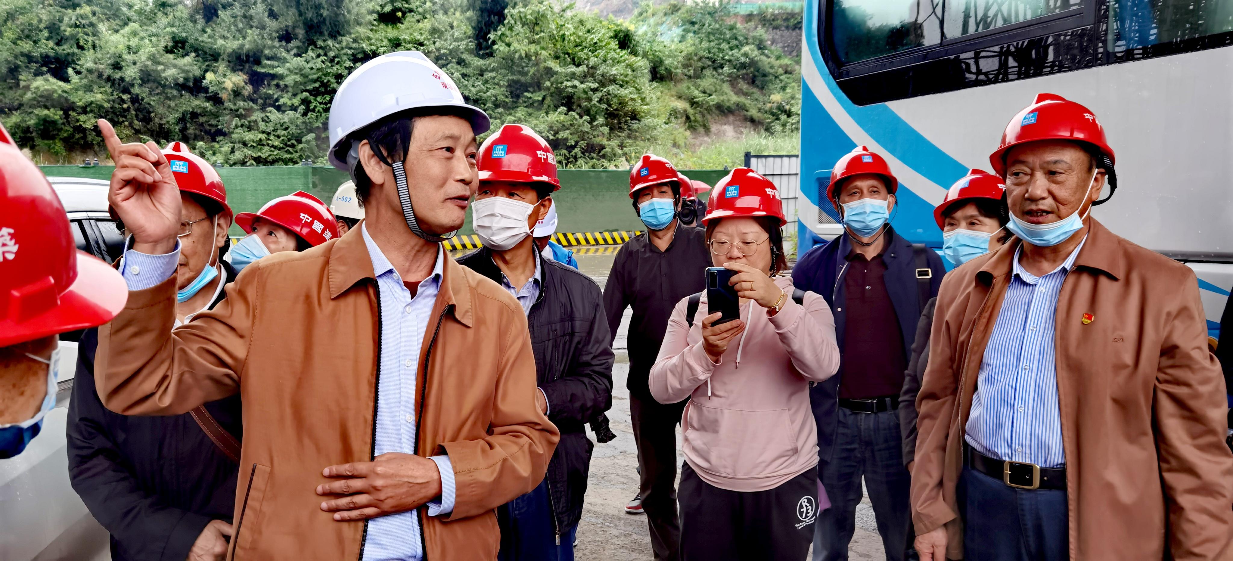 """长篇通讯:献身路桥的""""大国工匠"""",湖北路桥专家周昌栋传奇"""