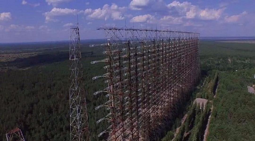世界最大的雷达:占地足1.8万平方米,一开机可以干扰全球通讯