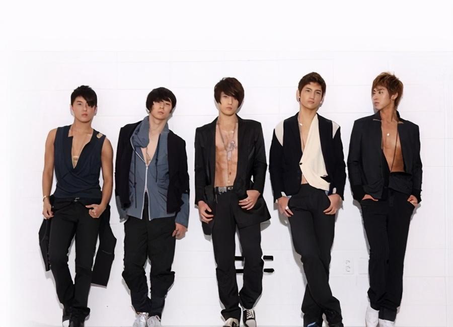 朴灿烈出事,SM称没有立场,EXO曾经的大势男团如今一言难尽