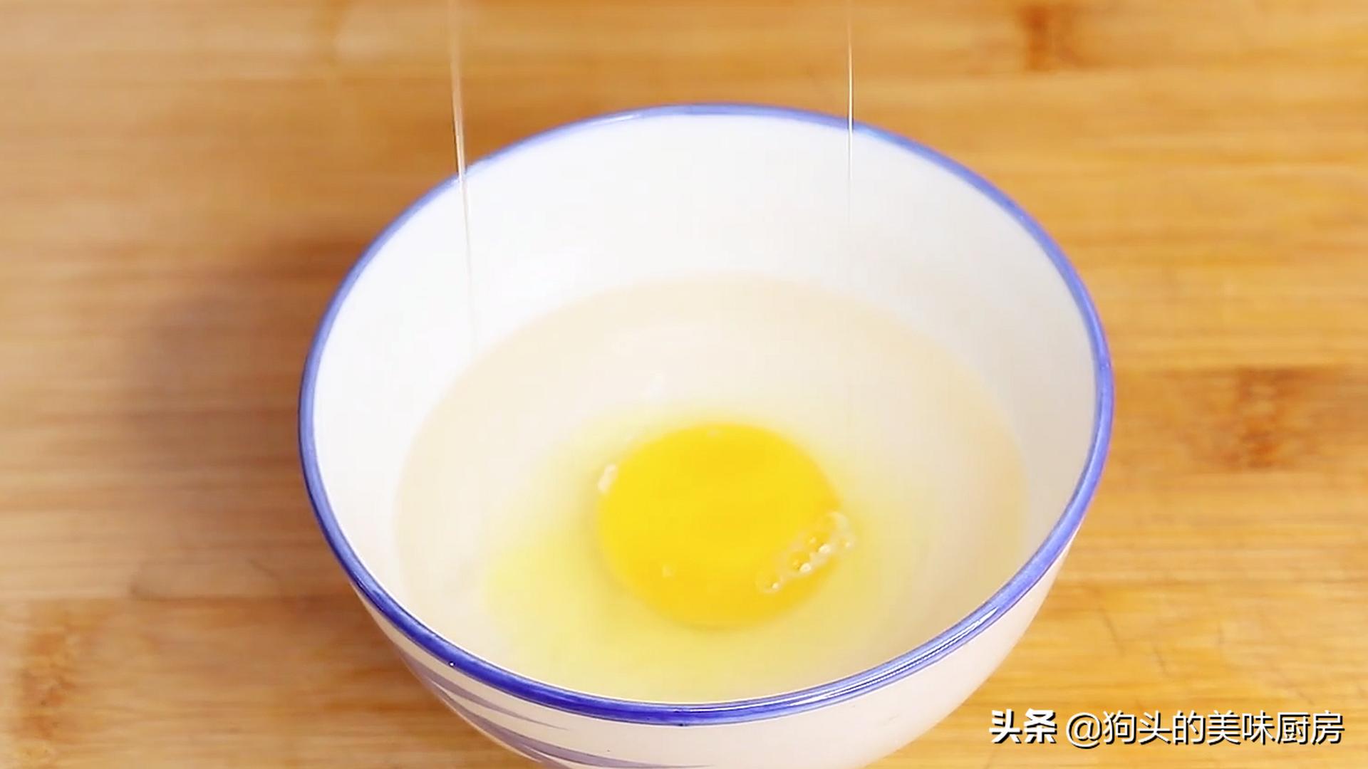 婆婆做的荷包蛋圆润不散,看了做法后,才知道方法用得不对 美食做法 第5张